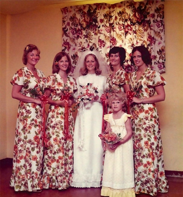 http://d1grj1r615atwi.cloudfront.net/wp-content/uploads/2018/09/26140408/funny-vintage-bridesmaids-dresses-3-5ae2f6a70ee9b__605.jpg