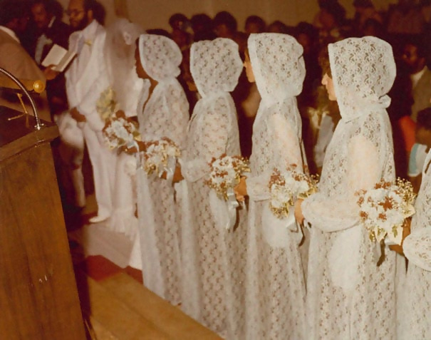 http://d1grj1r615atwi.cloudfront.net/wp-content/uploads/2018/09/26141656/old-fashioned-funny-bridesmaids-dresses-43-5ae3297f56fb6__605.jpg
