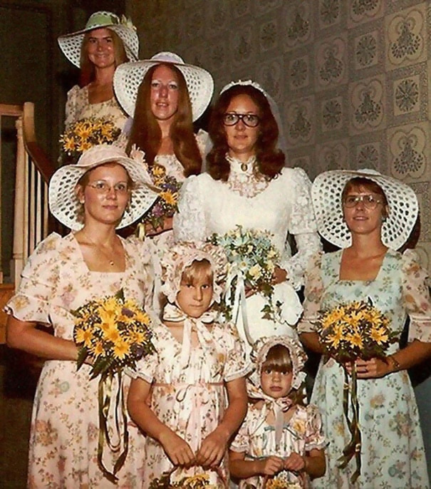 http://d1grj1r615atwi.cloudfront.net/wp-content/uploads/2018/09/27072814/old-fashioned-funny-bridesmaids-dresses-14-5ae2fec134a52__605.jpg