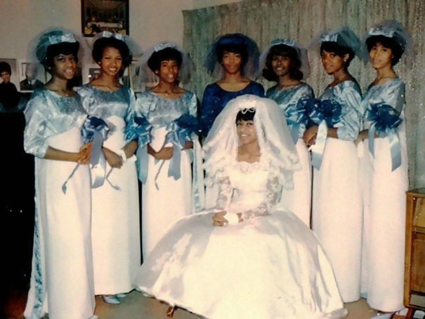 http://d1grj1r615atwi.cloudfront.net/wp-content/uploads/2018/09/27082153/old-fashioned-funny-bridesmaids-dresses-42-5ae328937fa67__605.jpg