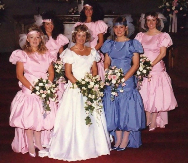 http://d1grj1r615atwi.cloudfront.net/wp-content/uploads/2018/09/27091500/old-fashioned-funny-bridesmaids-dresses-18-5ae305cb04786__605.jpg