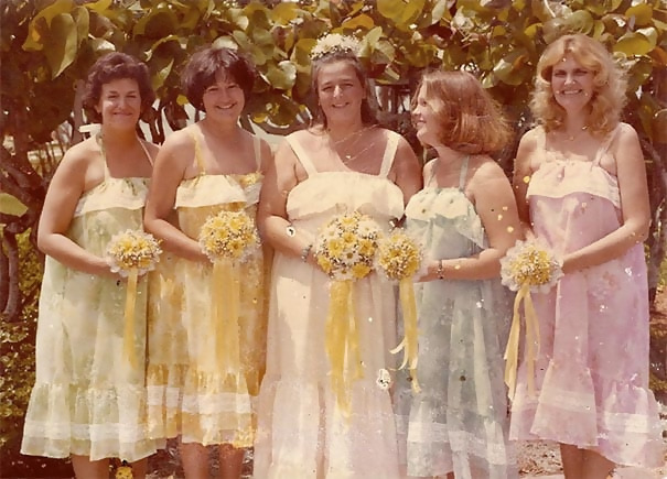 http://d1grj1r615atwi.cloudfront.net/wp-content/uploads/2018/09/27094047/old-fashioned-funny-bridesmaids-dresses-28-5ae317bc52753__605.jpg