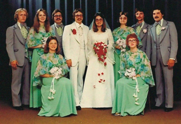 http://d1grj1r615atwi.cloudfront.net/wp-content/uploads/2018/09/27094053/old-fashioned-funny-bridesmaids-dresses-34-5ae31c290645f__605.jpg