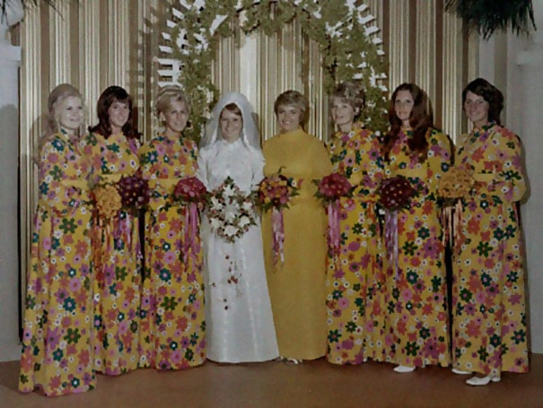http://d1grj1r615atwi.cloudfront.net/wp-content/uploads/2018/09/27121012/old-fashioned-funny-bridesmaids-dresses-45-5ae32a8344e52__605.jpg