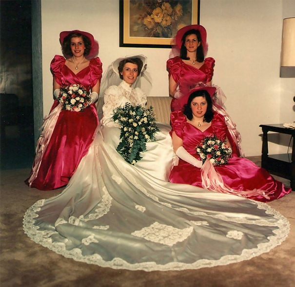 http://d1grj1r615atwi.cloudfront.net/wp-content/uploads/2018/11/01142124/old-fashioned-funny-bridesmaids-dresses-10-5ae2fb70bcfc5__605.jpg