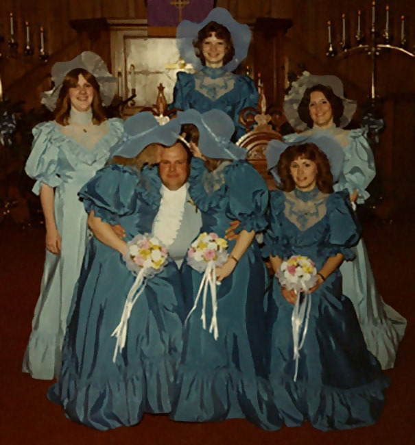 http://d1grj1r615atwi.cloudfront.net/wp-content/uploads/2018/11/01142131/old-fashioned-funny-bridesmaids-dresses-37-5ae31e9226b9d__605.jpg