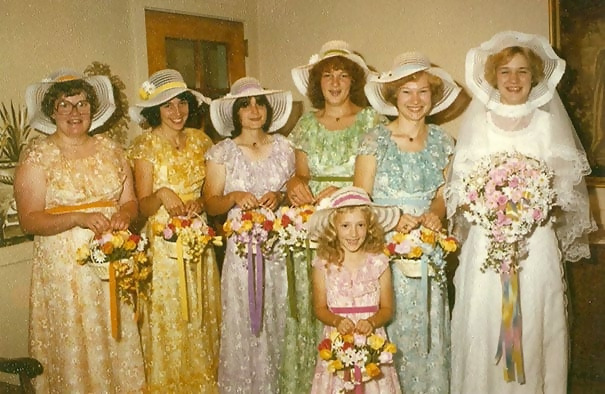 http://d1grj1r615atwi.cloudfront.net/wp-content/uploads/2018/11/01142133/old-fashioned-funny-bridesmaids-dresses-47-5ae32dca5f9d8__605.jpg