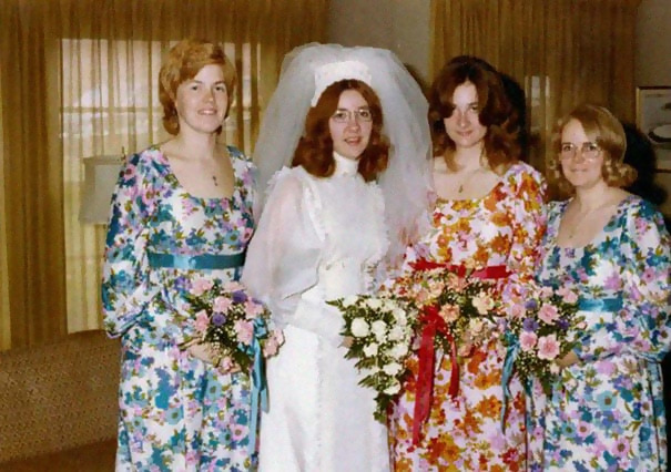 http://d1grj1r615atwi.cloudfront.net/wp-content/uploads/2018/11/01142126/old-fashioned-funny-bridesmaids-dresses-30-5ae3195e07018__605.jpg