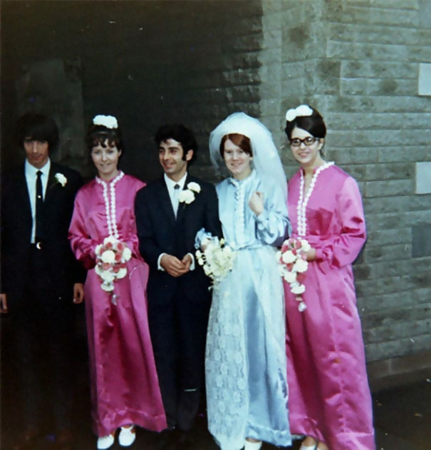 http://d1grj1r615atwi.cloudfront.net/wp-content/uploads/2018/09/27125018/old-fashioned-funny-bridesmaids-dresses-38-5ae31f7b3f7dd__605.jpg