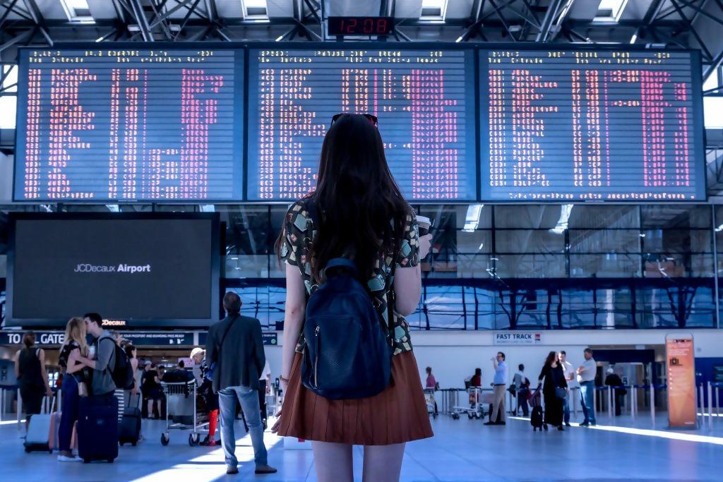 Macintosh HD:Users:brittanyloeffler:Downloads:Upwork:Americans Travel:airport-2373727_1920-1024x683.jpg