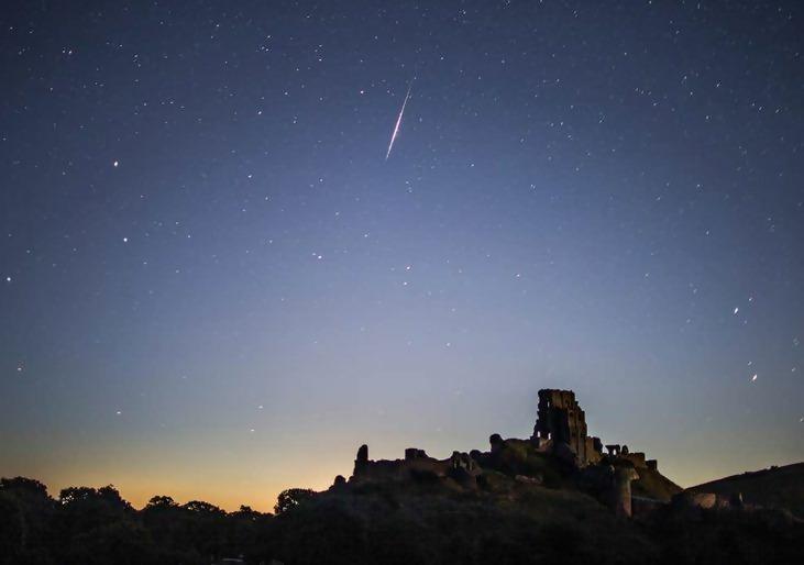 https://images.boredomfiles.com/wp-content/uploads/bolt/2019/10/meteor%20desert-731w.jpg
