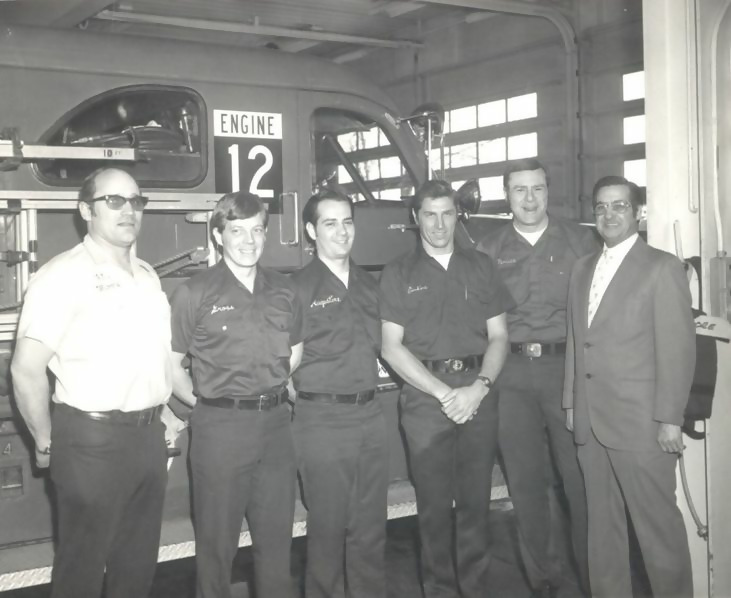 https://images.boredomfiles.com/wp-content/uploads/sites/11/2019/03/old-firefighters-731w.jpg