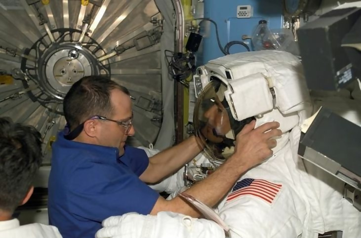 https://images.boredomfiles.com/wp-content/uploads/sites/11/2019/03/astronaut-gear.v1-e1551816208857-731w.jpg